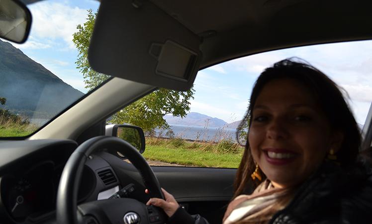 A experiência de dirigir na mão inglesa