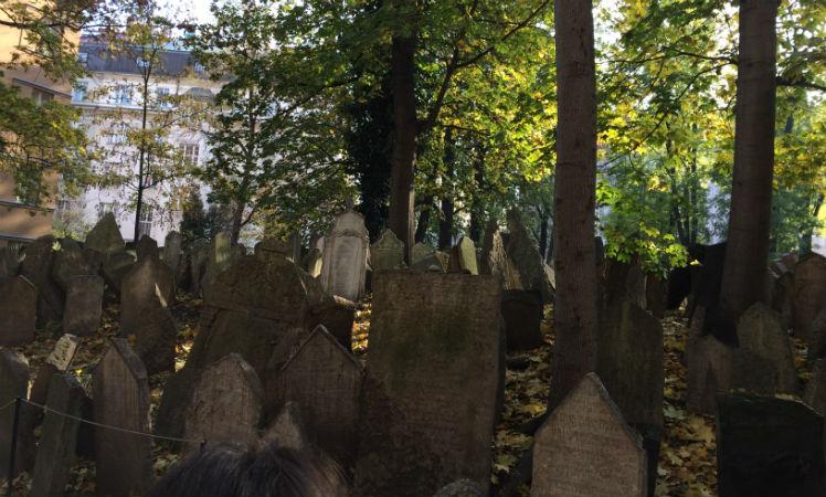A visita ao Cemitério Judeu de Praga